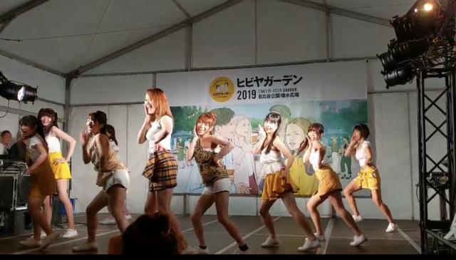 画像: 初日と最終日は9人でダンス! 少女時代の「gee」