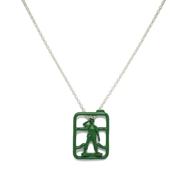 画像: 【GREEN ARMY MEN NECKLACE】 15,000円(税抜)