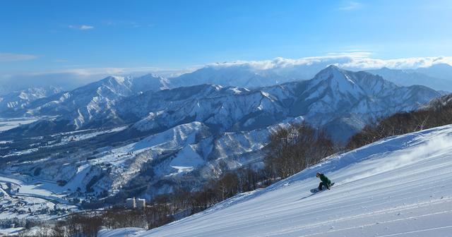 画像: 石打丸山の絶景×サンライズエクスプレス | 石打丸山スキー場【公式サイト】