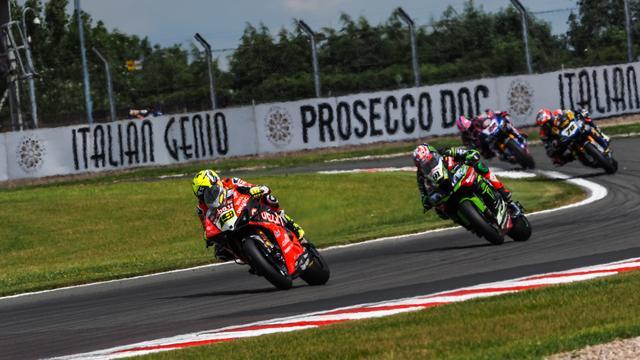 画像: レース2では3位表彰台をゲットしたA.バウティスタ(ドゥカティ)。 www.worldsbk.com