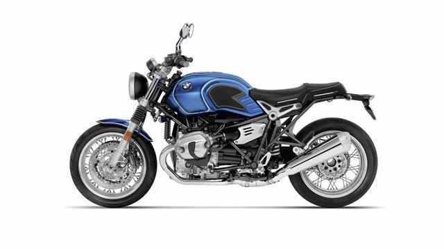 画像: スポークホイール、ニーパッド、クロームミラー、クロームシートモールなど、かつての/5シリーズを彷彿させるスタイリングが魅力のR nineT /5。エンジンは1,170ccで、110馬力を発生します。 www.bmw-motorrad.com
