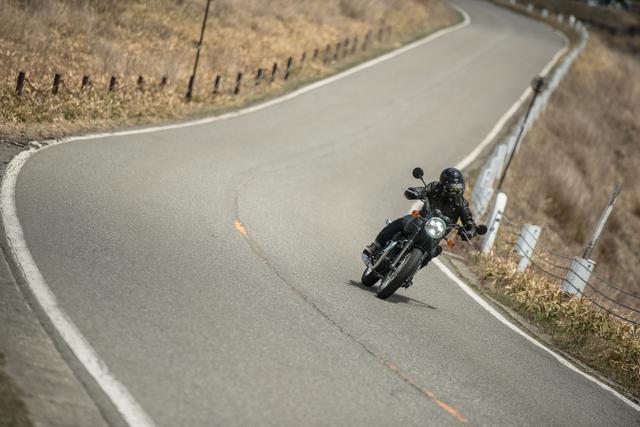 画像2: バイクの魅力は速さだけじゃない!と思うアナタへ。カワサキ新型W800のエンジンは『味わい』と『音』が最高すぎるっ!?