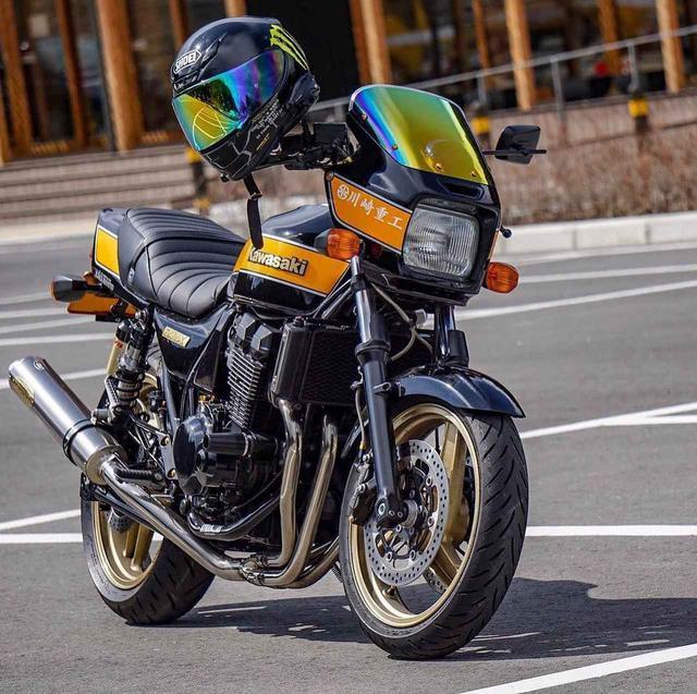 画像: 相棒と、どこまでも。カワサキ ZRX400【グラカワインスタ投稿紹介vol.41】 - LAWRENCE - Motorcycle x Cars + α = Your Life.