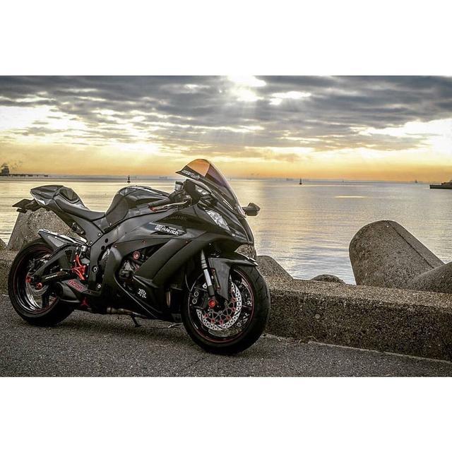 画像: カワサキ Ninja ZX10Rがつくりだす神ショット!【グラカワインスタ投稿紹介vol.42】 - LAWRENCE - Motorcycle x Cars + α = Your Life.