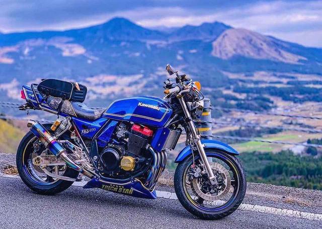画像: カラーリングがたまらんっ! カワサキ ZRX400【グラカワインスタ投稿紹介vol.45】 - LAWRENCE - Motorcycle x Cars + α = Your Life.