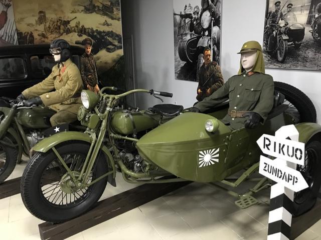 画像: な・・・なんと! 日本の陸王(97式)もウラジオストク自動車博物館に展示されていました! ハーレーダビッドソンを国産化した「陸王」ですが、1936年には側車輪駆動の2輪駆動サイドカーの「97式」が日本陸軍に正式採用されることになりました。なお終戦後、生き残りの97式は中古車市場をとおして販売されたりして、戦後復興に貢献したりしていました。