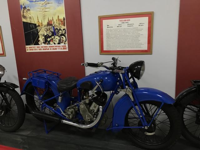 画像: TIZ-AM-600 (1936-1943年)も、M-72が主流になる前の時代に軍用車として重宝されたソ連製品です。タガンログ工具工場=TIZで生産されたこのモデルは、1930年に入手したBSAスローパーを参考に開発されたモデルで、596cc単気筒エンジンから16.5馬力の最高出力を得ていました。なお軍用車のほか、少数は白バイ用にも使われたそうです。