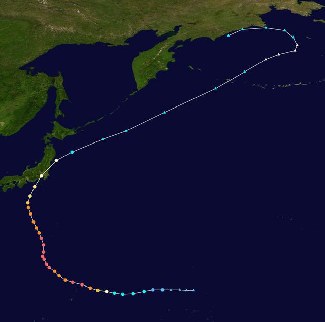 画像: 令和元年台風19号の経路。超絶な「雨台風」となったため、台風の目から遠いエリアも水害に遭うことになってしまいました・・・。 ja.wikipedia.org