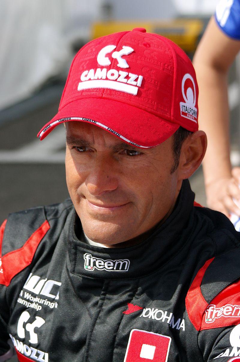 画像: ジャンニ・モルビデリは、スクーデリア・イタリア、ミナルディ、フットワーク、ザウバーなどのドライバーとして、F1を戦いました。 en.wikipedia.org