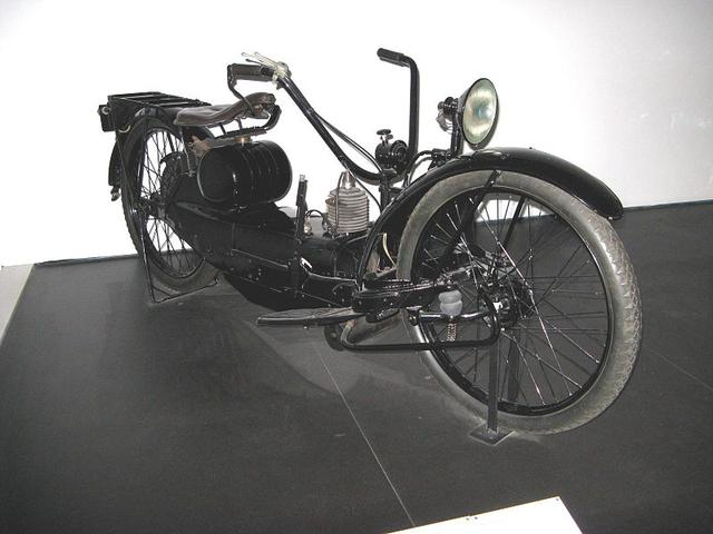 画像: 1924年型ネラカー。1921〜1927年の間、アメリカのシラキュースで生産されたネラカーは、シェフィールド-シンプレックスによって英国でもライセンス生産されました。 en.wikipedia.org