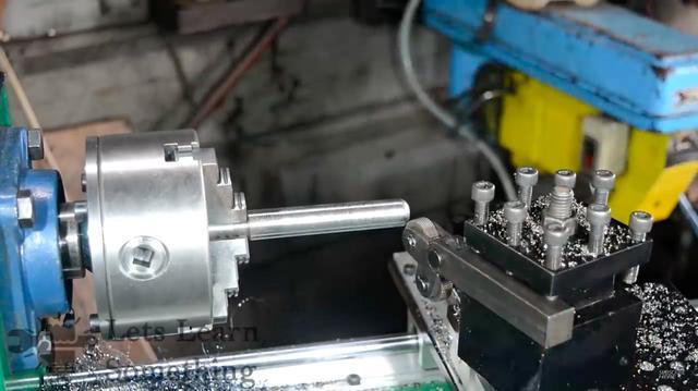 画像: そして旋盤に必要なパーツを、旋盤加工で作ります。なんのパーツを作っているのかは、動画でご確認ください! www.youtube.com
