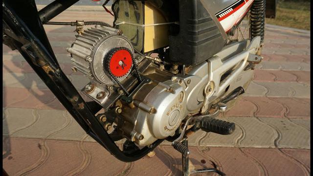 画像: How Easy to convert a old petrol bike to electric Bike 50 km/h Using 750W Brushless Motor.... youtu.be