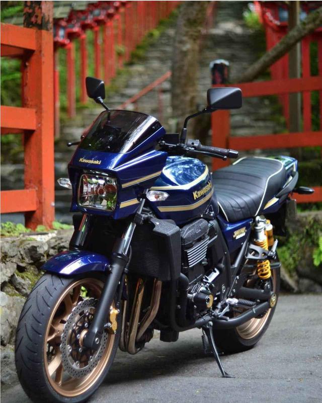 画像: 神社に現れたZRX1200 DAEGに惚れちゃう〜。【グラカワインスタ紹介Vol.33】 - LAWRENCE - Motorcycle x Cars + α = Your Life.