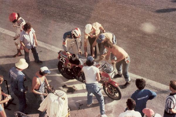 画像: 1970〜1980年代の時代、ドゥカティはベベル/パンタ系Vツインで耐久レースで活躍しました。1980年代にはNCRとの協力関係の下、1980、1981、1984、1985、1986年に5度モンジュイ24時間耐久で勝利をおさめています。 www.ncrfactory.com
