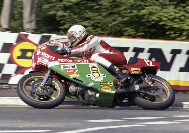 画像: 1978年TT-F1クラスで、ドゥカティVツインを駆るM.ヘイルウッド。なおゼッケン12は、彼がマン島TTが世界ロードレースGPの一戦だった時代に、マン島TTであげた勝ち星の数にちなんで付けられたものです。 lrnc.cc