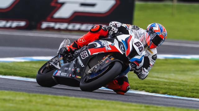 画像: スーパーポールを制したT.サイクス(BMW)。 www.worldsbk.com