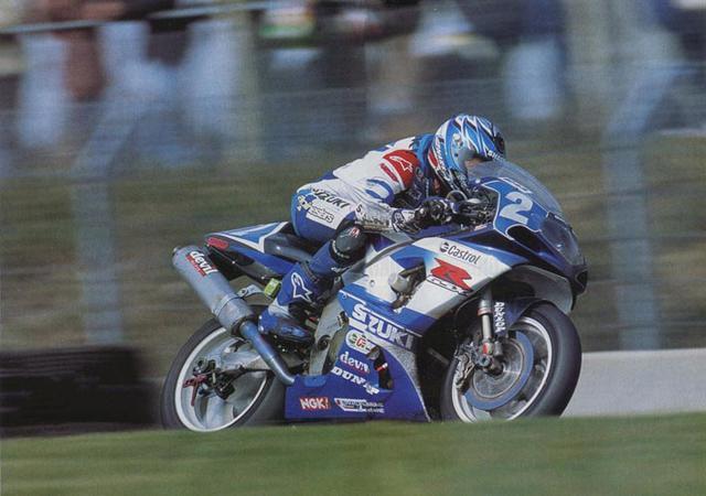 画像: 2002年のル・マン24時間耐久で勝利に向けて走るJMB。チームはSERTでした。 www.jeanmichelbayle.fr