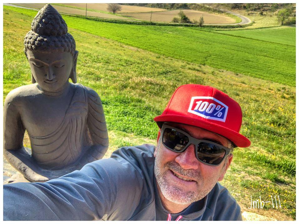 画像: Facebookに投稿された、JMBの近影です。去る4月1日には、51歳の誕生日を迎えましたが・・・。 www.facebook.com