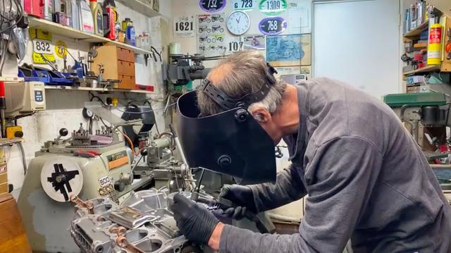 画像: さすがに、TIG溶接機をお持ちの方は少ないと思いますが・・・。 www.youtube.com