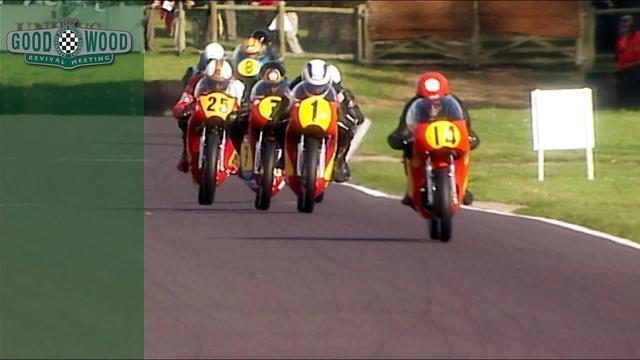 画像: Barry Sheene battles in epic five-way bike fight youtu.be