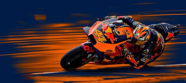 画像: 2013年にカレックスを駆りMoto2王者となったP.エスパルガロは、ヤマハTECH3のライダーとして2014〜2016年のMotoGPクラスに参戦。2017年からはKTMに移籍し、2018年最終戦バレンシアGPにて、KTM初のMotoGPクラスの表彰台獲得(3位)を成し遂げています。 www.ktm.com