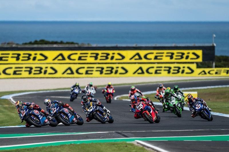 画像: 2020年シーズン開幕戦オーストラリアの光景。レース1はヤマハ新加入のトプラック・ラズガットリオグルが優勝。2日目のスーパーポールレースはSBK連覇中の絶対王者のジョナサン・レイが勝利。そしてレース2はカワサキ新加入のアレックス・ロウズが優勝しました。 race.yamaha-motor.co.jp