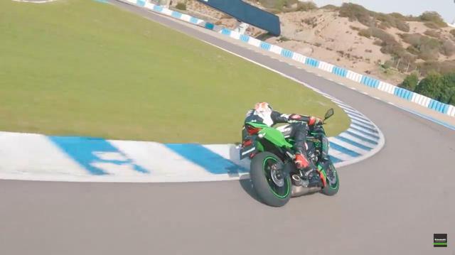 画像: [Kawasaki] J.レイがカワサキ Ninja ZX-25Rでヘレスを疾走!! - LAWRENCE - Motorcycle x Cars + α = Your Life.