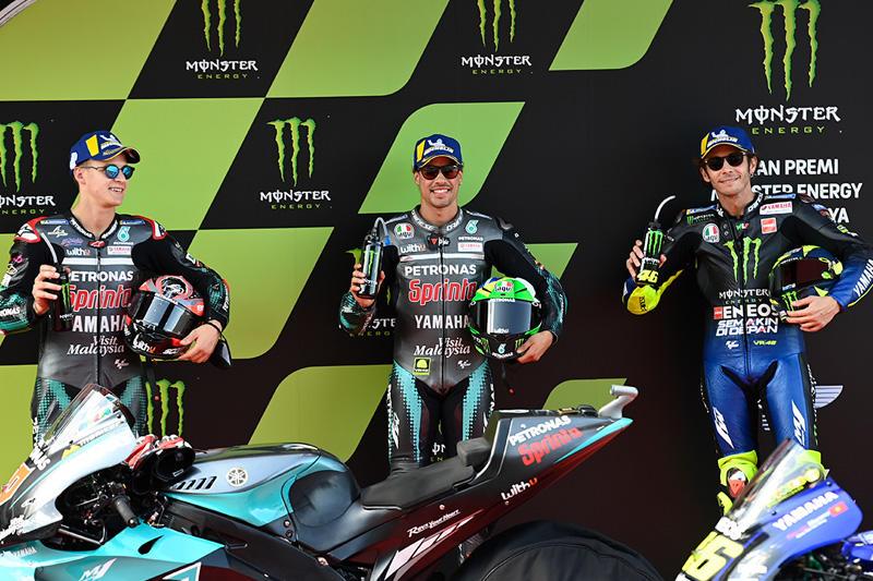 画像: 左からF.クアルタラロ、F.モルビデリ、V.ロッシ・・・のヤマハ勢。 race.yamaha-motor.co.jp