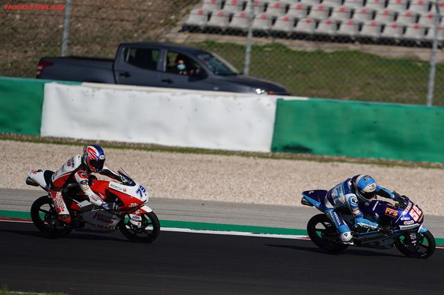 画像: ホンダの小椋藍(79番)は8位で惜しくもタイトル獲得ならず・・・。来シーズンはMoto2クラスに舞台を移し、新たな戦いに挑みます! www.honda.co.jp