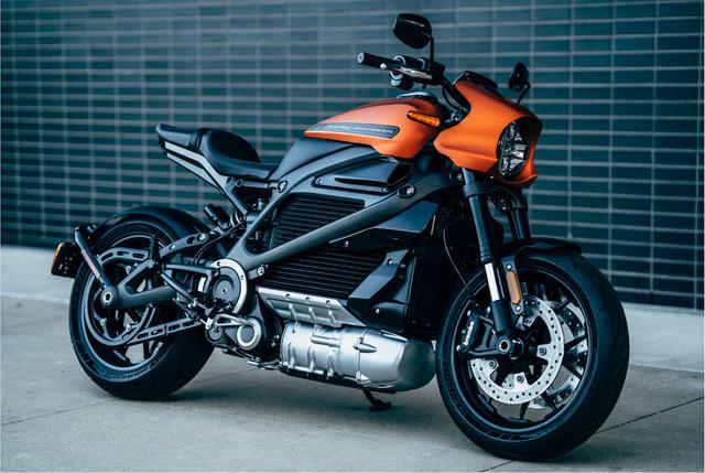 画像: ハーレーダビッドソンが生み出した電動バイク、ライブワイヤー。価格は349万3,600円で、5年間の走行距離無制限バッテリー保証が付帯。 www.harley-davidson.cn