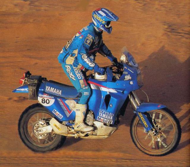 画像: 1991年、初の総合優勝を手にした大会で、ヤマハYZE750T(0WC5)を駆るS.ペテランセル。 www.yamaha-community.fr