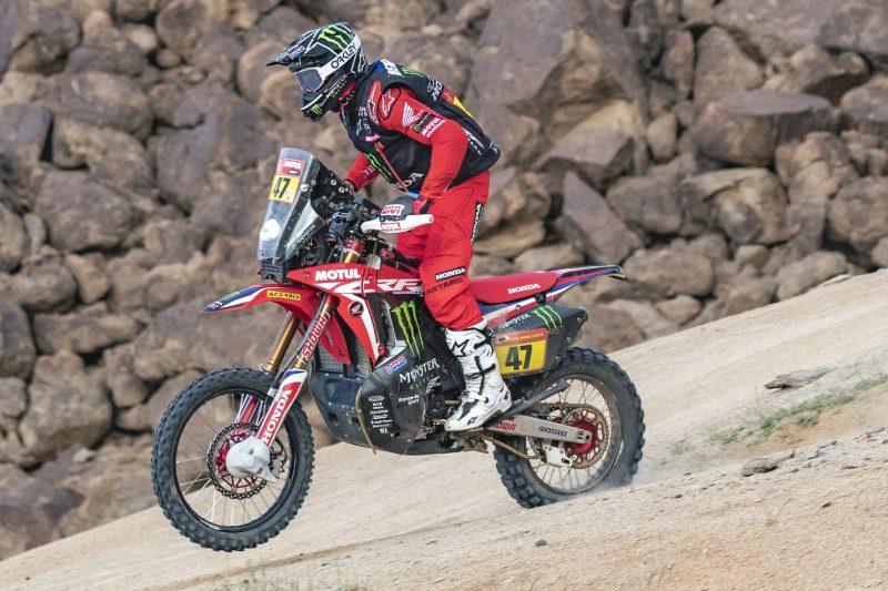画像: 見事、自身初のダカールラリー初優勝を達成したK.ベナバイズ(ホンダ)。※写真はステージ11のもの。 rally.hondaracingcorporation.com