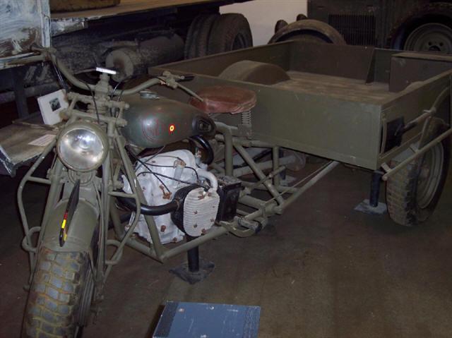 画像: 軍用のFN M12には、サイドカーよりも輸送能力を向上させたFNトライカーT3=軍用トライクも存在しました。 users.telenet.be