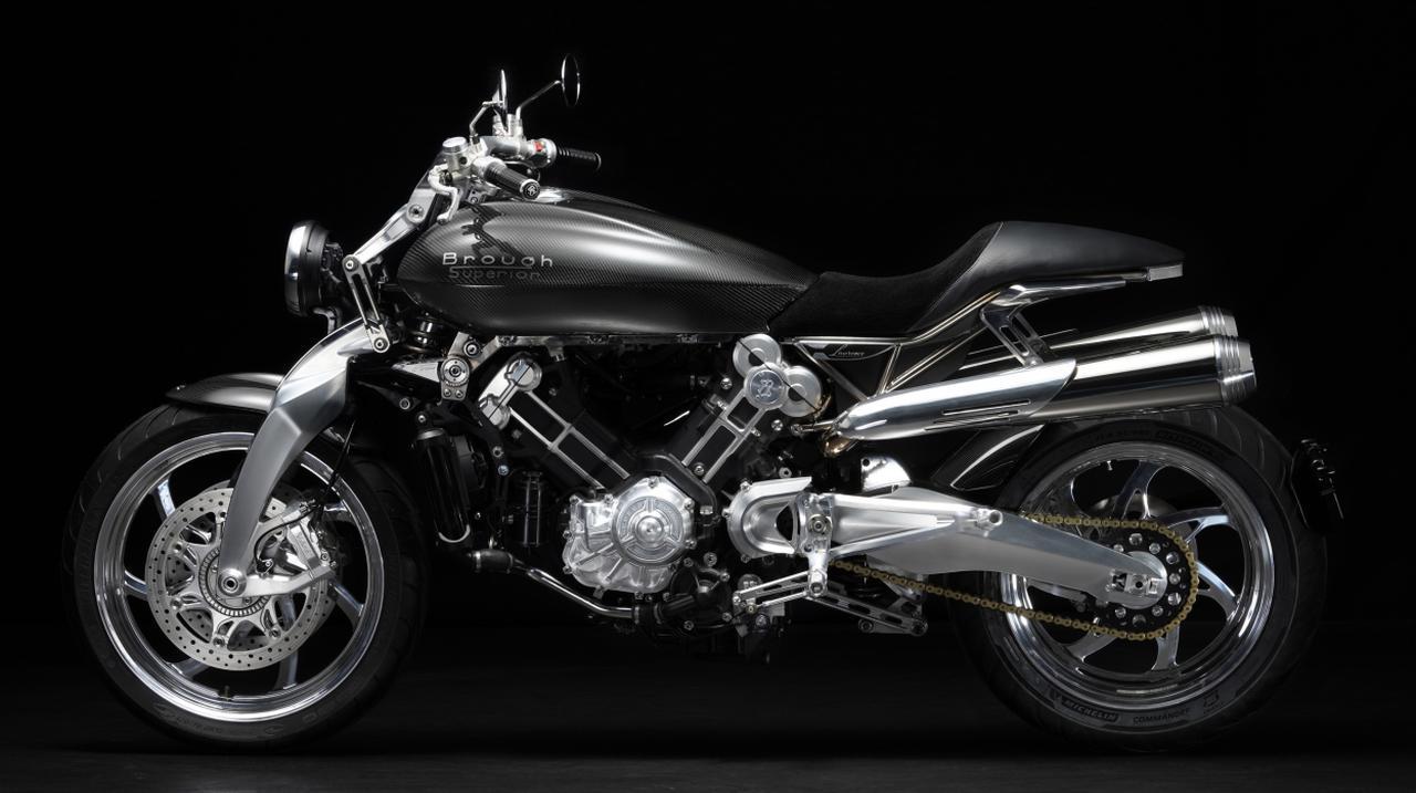 """画像: チタン合金やアルミ合金、そしてカーボンファイバーを車体のパーツに多用することで、""""Lawrence""""の車重は200kgにおさえられています。なお前後ブレーキには、ベリンガーのディスクブレーキシステムを採用してます。 www.broughsuperiormotorcycles.com"""