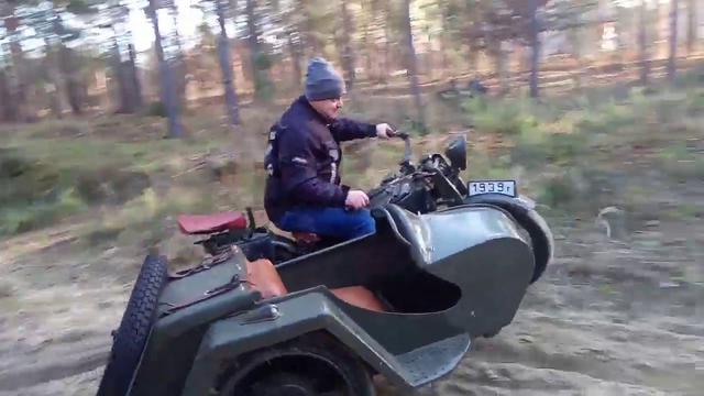 画像: Gnome Rhone AX2 800 in terrain test. ccm with driven sidecar. www.youtube.com
