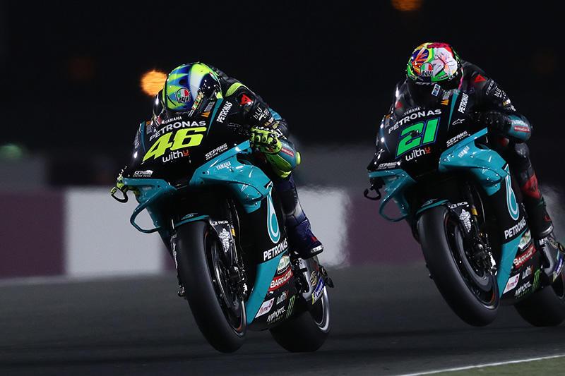 画像: サテライトのペトロナス ヤマハSRTの両名、V.ロッシ(左)は21番手、F.モルビデリは10番手で予選を終えています。 race.yamaha-motor.co.jp