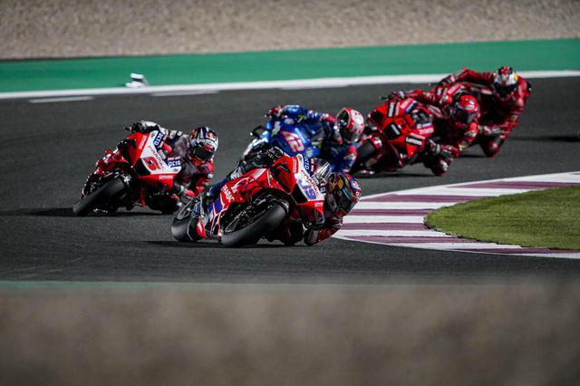 画像: サテライト勢のプラマック・レーシングの2台のデスモセディチGP21を駆る両名は、ドゥカティワークスの2台よりも上位でフィニッシュしました。 www.pramacracing.com