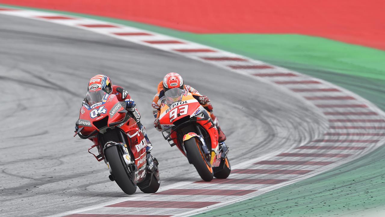 画像: 2013年から2020年まで、A.ドヴィツィオーゾ(左)はドゥカティのエースとして活躍。2017〜2019年の3年間は、MotoGP王者マルク・マルケス(右、ホンダ)とタイトル争いを繰り広げ、いずれの年も年間ランキング2位の座を得ました。 www.ducati.com