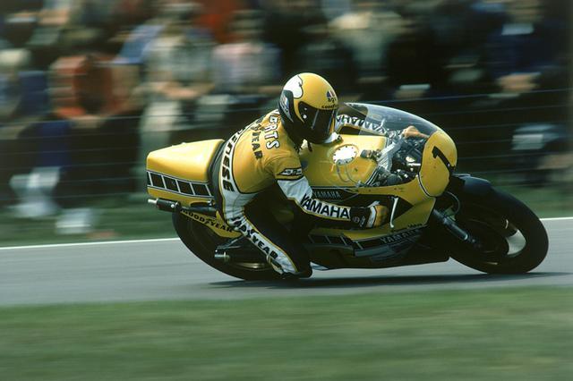 画像: 1980年シーズン、ヤマハは当時の最高峰500ccクラスで、開幕からの4連勝を記録しています(ケニー・ロバーツ=写真が3勝、ジャック・ミドルブルグが1勝)。 global.yamaha-motor.com