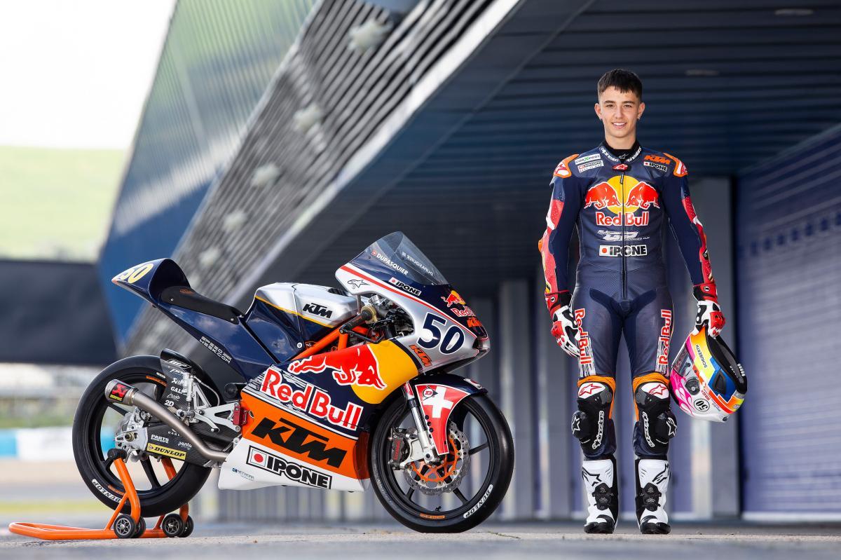 画像: 2001年9月生まれのスイス人ライダー、ジェイソン・デュパスキエは、昨年度よりMoto3フル参戦を開始。参戦21戦目となったイタリアGPの予選中、9コーナーで転倒。19歳の若さでこの世を去ることになりました・・・。 www.motogp.com