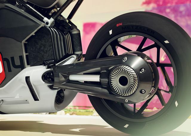 画像: 2019年6月にBMWが公表した電動バイク、ビジョンDCロードスターのシャフトドライブ。 www.bmw-motorrad.com