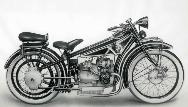 画像: BMW製のクランクシャフト縦置きフラットツイン完成車の初代モデル、1923年型のR32。ICEのサイドバルブ式フラットツイン500ccを搭載し、クラッチとギアボックス、そしてシャフトを介して後輪へ動力を伝えていました。現在販売されているBMW製フラットツイン搭載モデルも、この基本設計を伝承しています。 www.bmw-motorrad.com