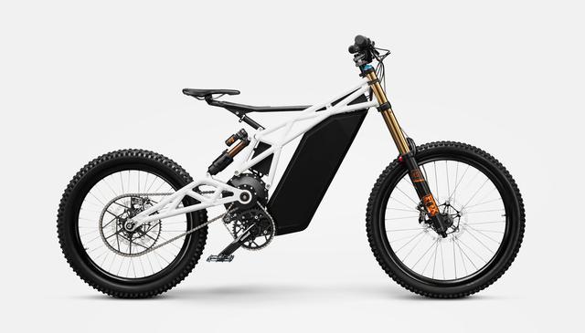 画像: FRX1プロトタイプ。自転車型のサドル、ペダル、クランクを採用していましたが、最終的に市販バージョンはモーターサイクル寄りの構成になっています。 www.ubcobikes.com