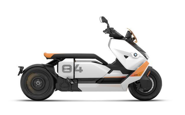 画像: CE 04の標準カラーである「ライト・ホワイト」。 www.bmw-motorrad.com