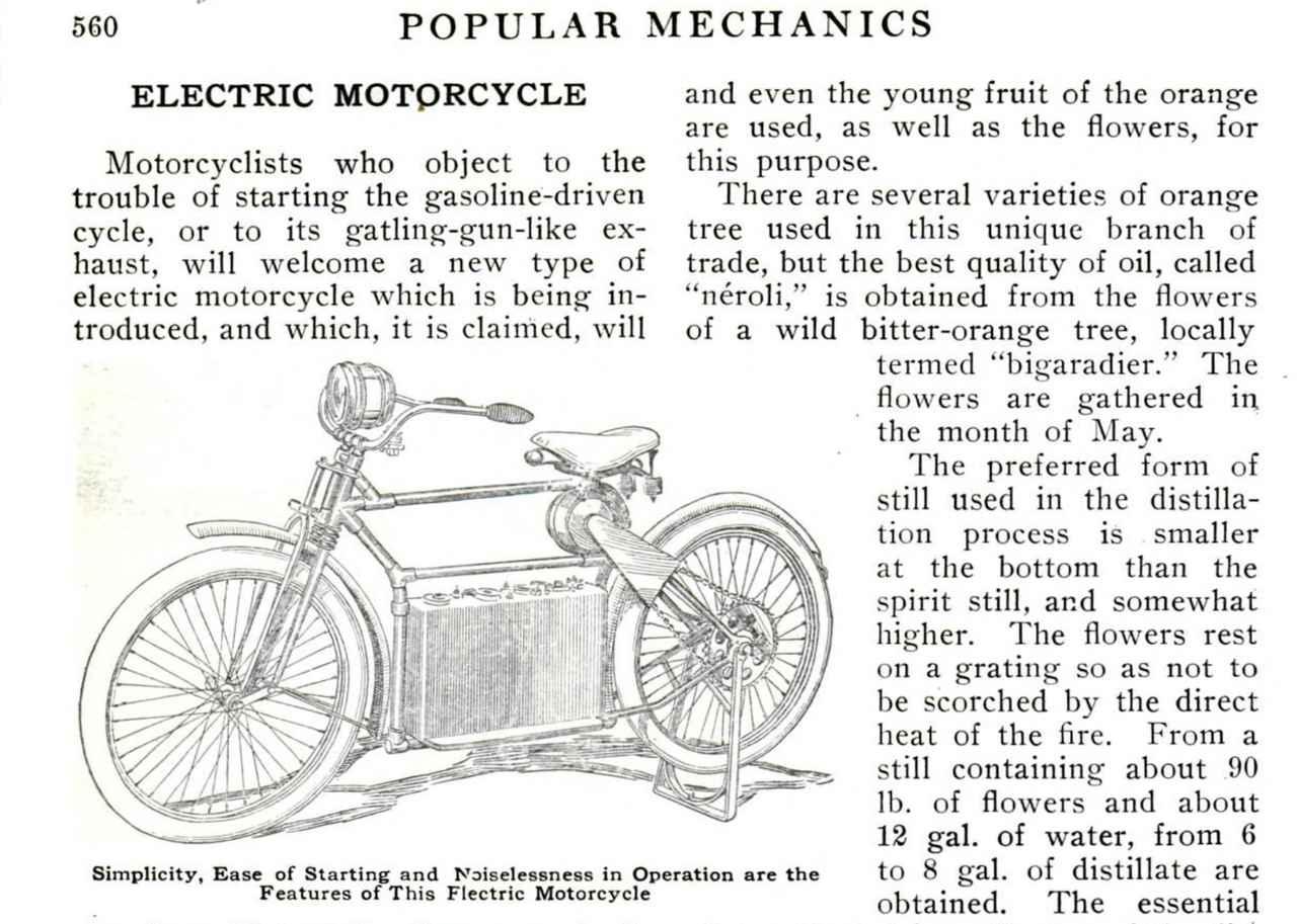 """画像: ポピュラーサイエンス誌1911年10月号に紹介された、""""エレクトラ""""。フレーム下部に6セルの12Vバッテリー、サドル下に電動モーターを搭載。後輪駆動はチェーンを採用。ホイールベースは51インチ≒1295.4mm、重量は約200ポンド≒90.7kgという諸元でした。 books.google.co.jp"""
