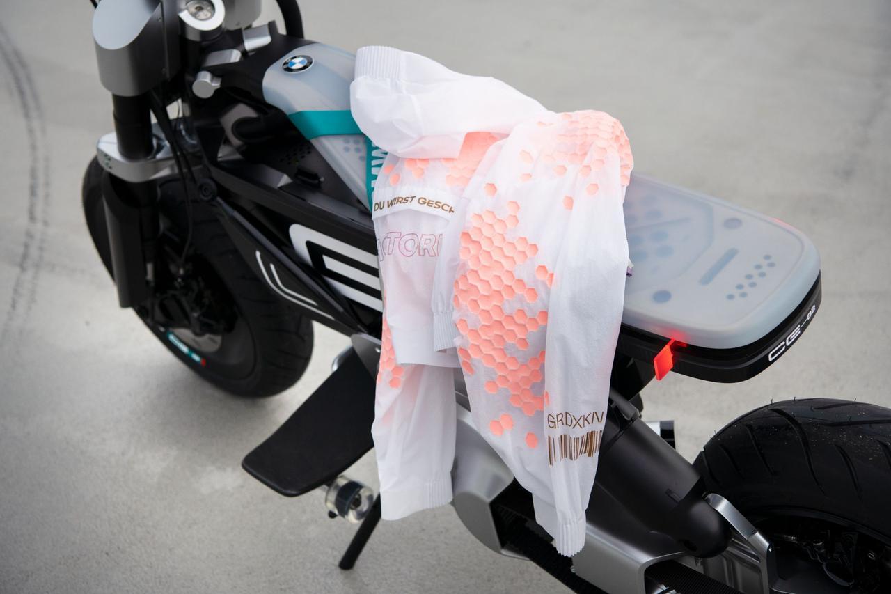 画像: www.bmw-motorrad.com