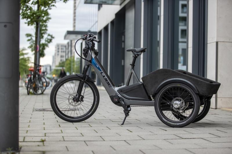 画像: CUBEコンセプト・ダイナミックカーゴ・インスパイアド・バイ・BMWは、BMWのアイデアをライセンスし、キューブが生み出した都市型カーゴバイク型ペデレック(電動アシスト自転車)です。もちろん都市だけでなく、さまざまなオプションを用いることで、あらゆるシーンで活躍する最も簡便なカーゴとして機能するようにデザインされています。 www.bmwgroup.com