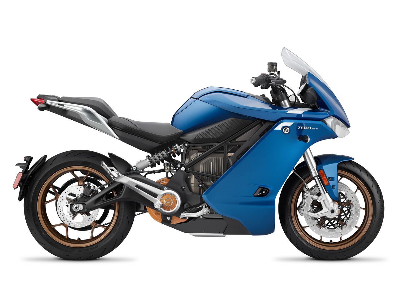 画像: SR/Sは、フルフェアリングを備えたゼロの最上級スポーツモデル。最高出力は82kw(110PS)/5,000rpmで、運転にはAT含む大型自動二輪が必要です。 www.rental819.com