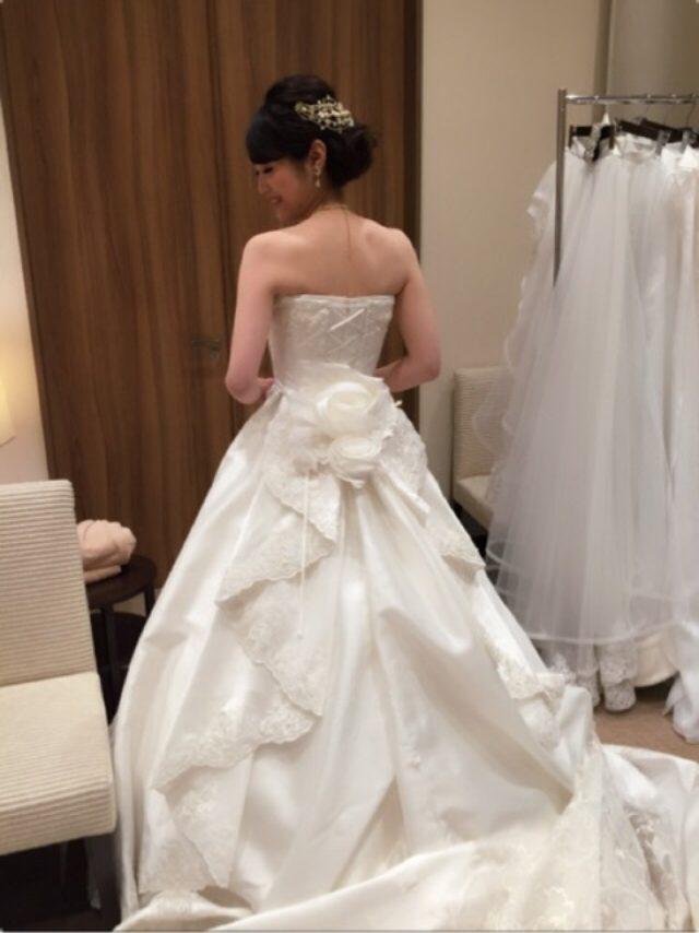 画像: ウエディングドレス