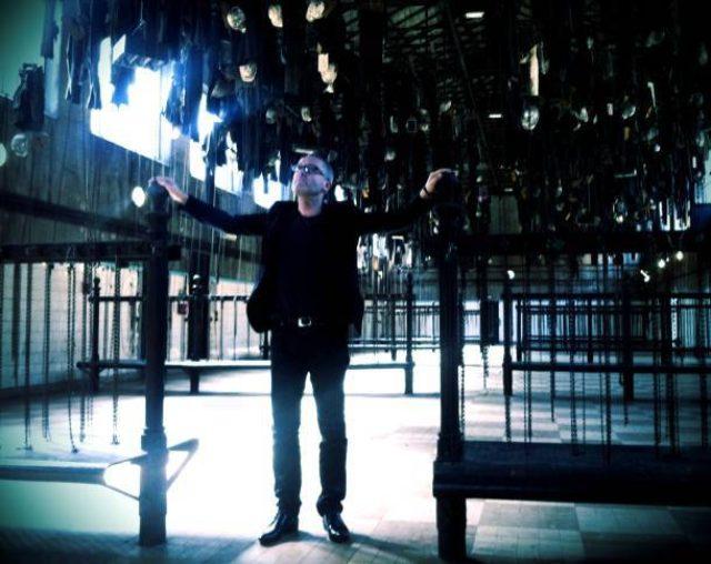 画像: UK出身のベテランミュージシャンWilliam Bennettのソロプロジェクト、CUTHANDS来日決定